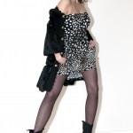 Manteau en fourrure Manoush, robe imprimé léopard, bottines H&M