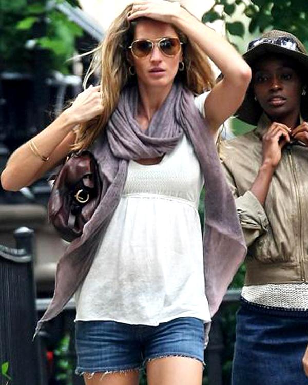 Comment s'habiller quand on est enceinte? Gisèle Bündchen enceinte. Source:www.pipole.net