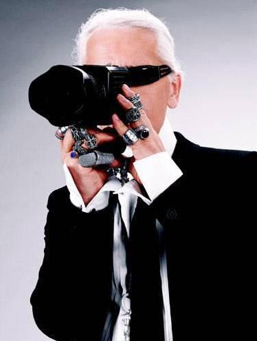 Karl Lagerfeld Au feminin